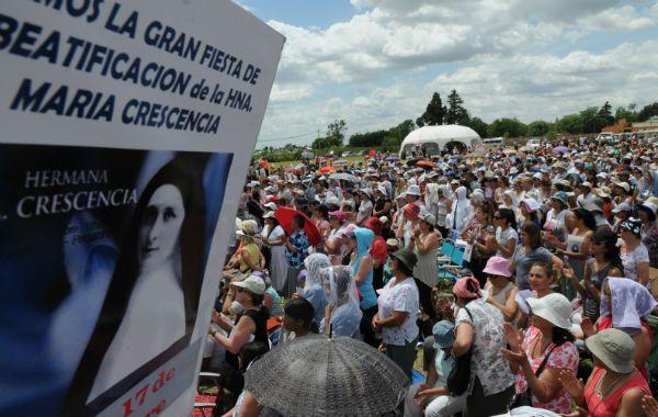 Miles de files siguieron la ceremonia en Pergamino. (Foto: S. Toriggino)