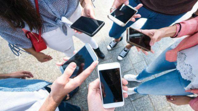 El consumo digital a través de los celulares es la tendencia dominante de los nuevos tiempos.