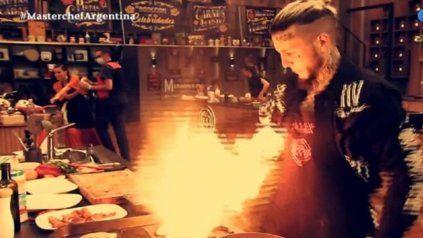 """Fuego. """"Soy Freddy Krueger. ¡Estoy en llamas! El p... amo"""", tiró Alex sin temores ante la preocupación general."""