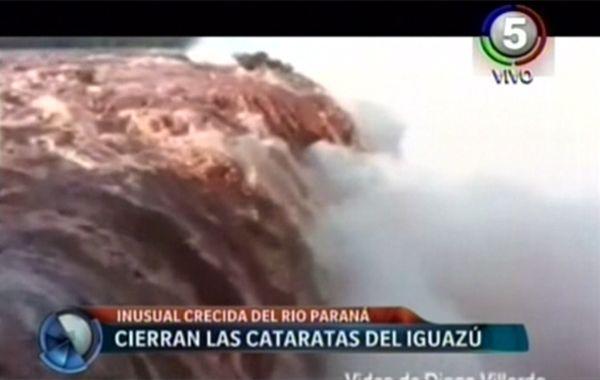 Parques Nacionales afirmó que ya asomaban en la superficie las pasarelas que ayer estuvieron cubiertas.