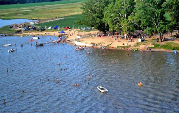 Sorprendente. Las mejoras realizadas en el predio se reflejaron en la gran cantidad de bañistas y amantes de los deportes acuáticos que visitan el lugar.