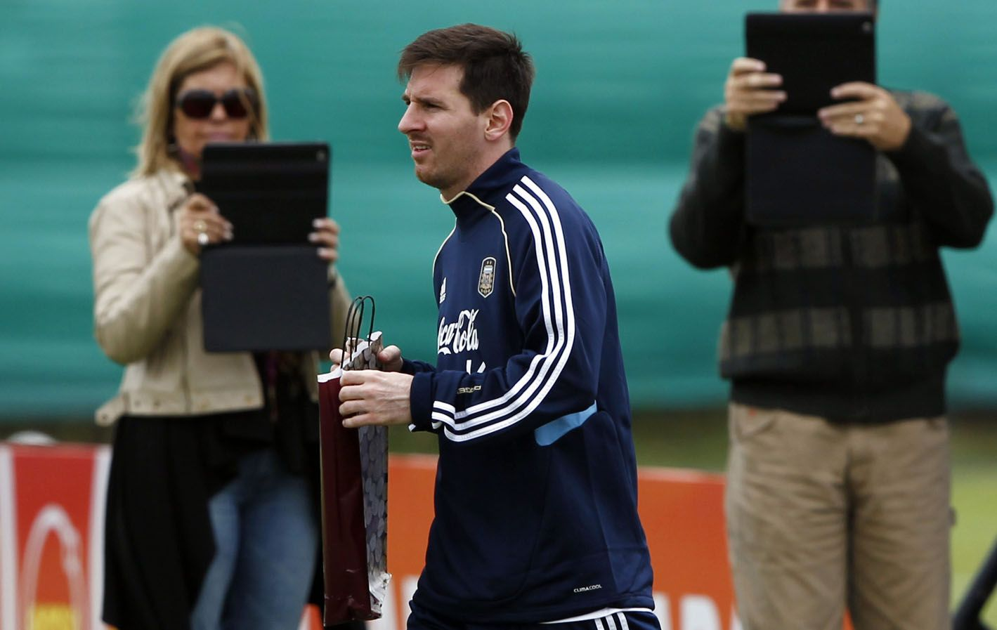 Con la pilcha nacional. Lionel Messi estará esta tarde en el entrenamiento.