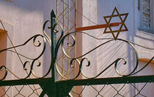 Emblemática. La sinagoga es una de las más antiguas de la provincia y un emblema histórico y arquitectónico.