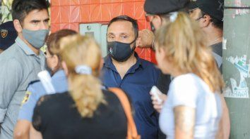 El fiscal Adrián Spelta se entrevistó con la madre de Iunissi en el lugar del crimen.