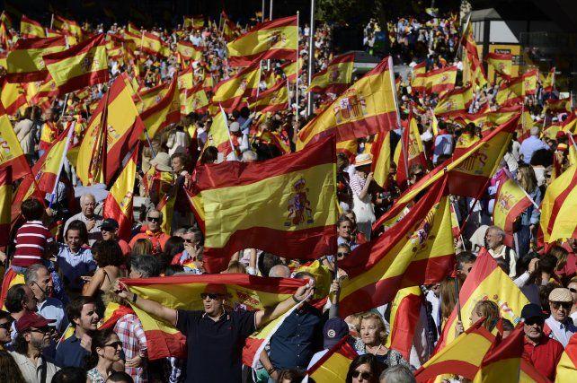 Madrid respondió a las manifestaciones secesionistas catalanas con una marcha multitudinaria.
