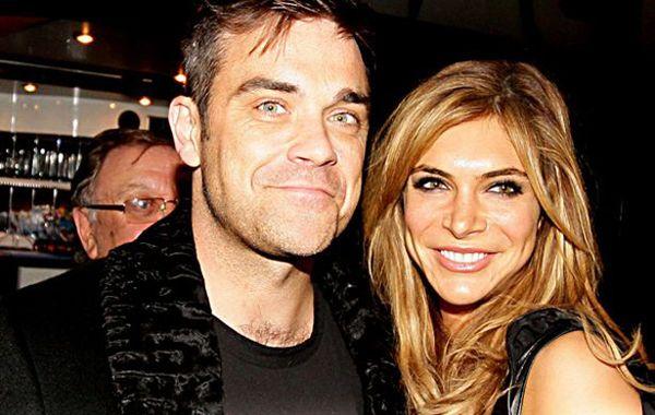 El cantante Robbie Williams y su esposa