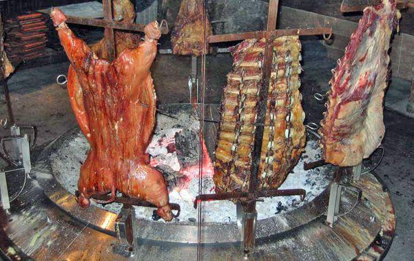 El asadito. Los especialistas recomiendan una dieta baja en carnes y quesos.