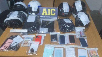 Parte de los elementos secuestrados a los detenidos como cobradores de una red de usura.