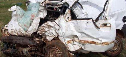 Ocho muertos al chocar una Kangoo con un colectivo en Curuzú Cuatiá