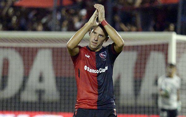 Agradecimiento. Maxi Rodríguez siempre se retira ovacionado por la gente de Newell's en el Coloso.