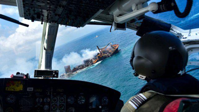 Desastre ecológico: se hunde en Sri Lanka un barco cargado con químicos y petróleo