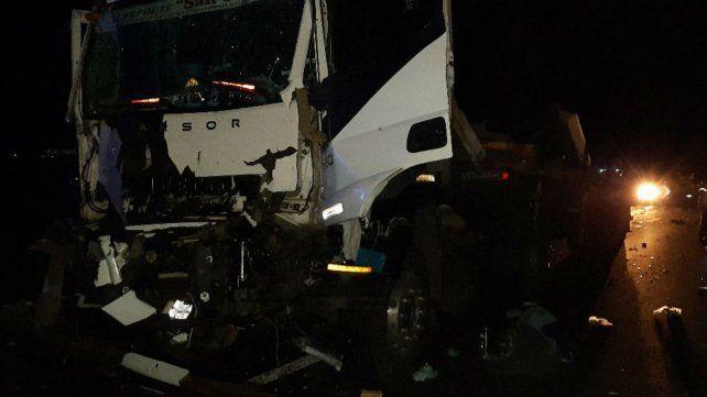 Uno de los camiones que participaron en el múltiple choque