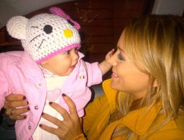 Eva Anderson emocionada con el bautismo de su beba en Córdoba