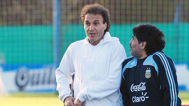 Ruggeri cuestionó que hayan llevado a Maradona a la cancha