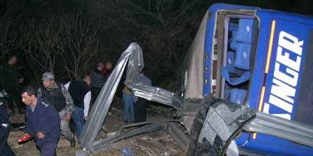 Santa Fe: un pasajero culpó al chofer por la tragedia del micro