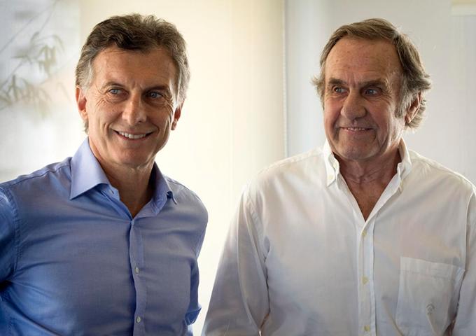 Macri anunció su acuerdo con Reutemann en su cuenta oficial de Facebook.
