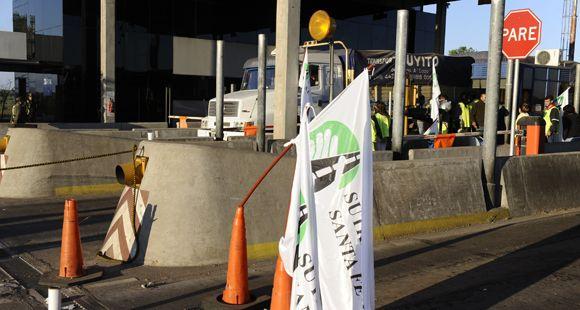 Dictan la conciliación obligatoria y vuelve el cobro de peaje en el puente Rosario-Victoria