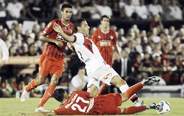 Contra todos. Maxi Rodríguez fue el mejor de Newell's. Marcó un gol e intentó siempre.