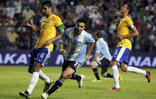 El goleador de Newells y del torneo Inicial debutó con un doblete.