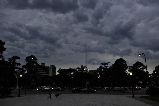 Rige un alerta meteorológico por vientos intensos con ráfagas para Rosario y la región