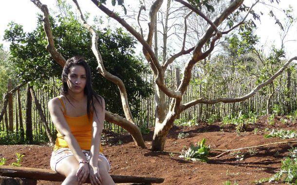 Florencia (Nadia Ayelén Giménez) es engañada y obligada a trabajar en un prostíbulo hasta que un accidente acerca la posbilidad de recuperar la libertad.