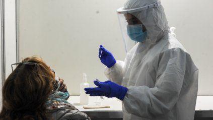 Coronavirus: ante el primer síntoma, ya no hay que esperar para hisoparse