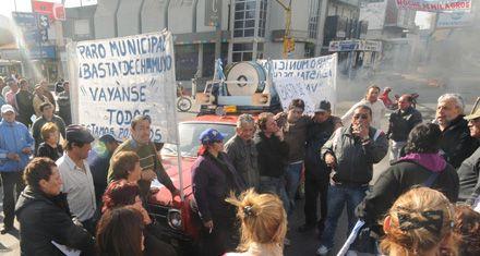 Villa Gobernador Gálvez: trabajadores municipales levantaron el paro