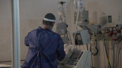 Cuáles son los beneficios y los riesgos de la asistencia mecánica respiratoria
