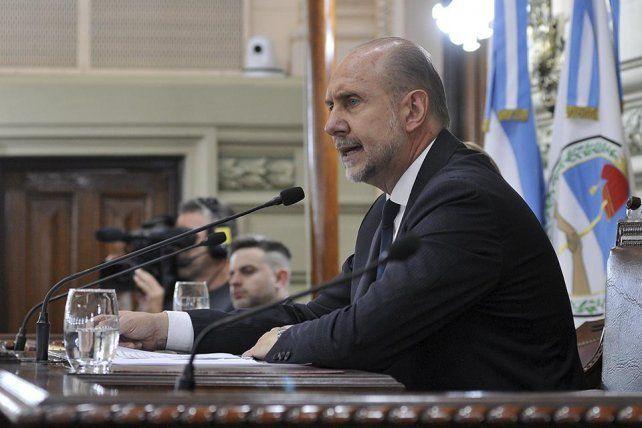 El gobernador Omar Perotti fijó su posición ayer con un discurso de fuerte contenido político..