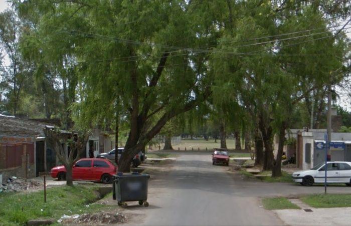 La cuadra donde ocurrió el ataque. (imagen: captura de Street View)