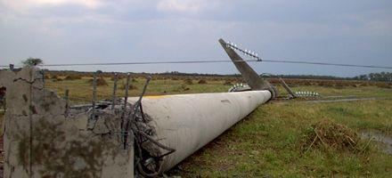 Cayeron dos torres de alta tensión en el norte santafesino: hay 12 localidades sin luz