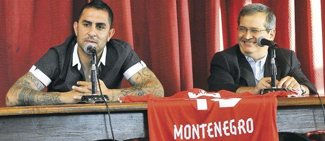 En la presentación. Rolfi Montenegro estuvo con el presidente Javier Cantero en su regreso al club de Avellaneda.