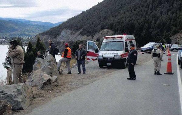 El vehículo se precipitó unos 300 metros hasta caer en el lago Lácar.