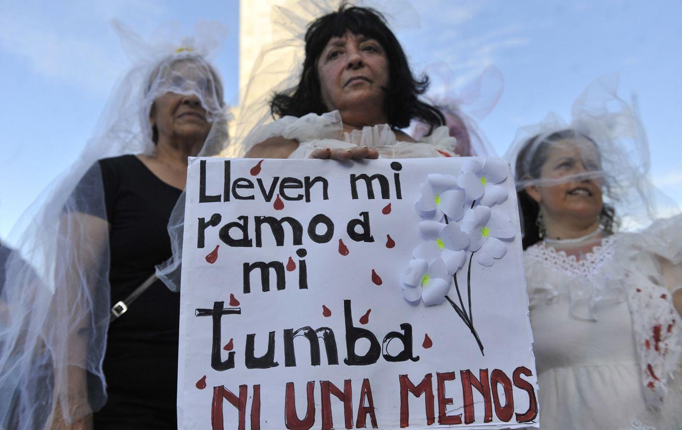 Ni una menos. El 3 de junio de 2015 se realizó una multitudinaria marcha contra la violencia de género en Rosario y en numerosas ciudades. (Virginia Benedetto / La Capital)