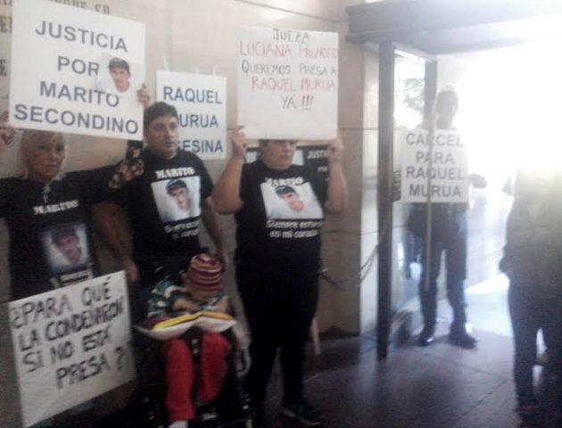 Protestas por la libertad de la policía que mató a Secondino