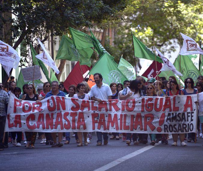 Puja distributiva. Los maestros rosarinos rechazaron la propuesta. (F.Guillén)