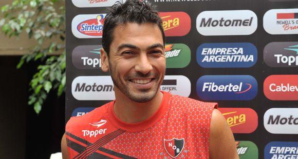 Víctor López: Que Newells y Martino se hayan interesado en mí es muy gratificante