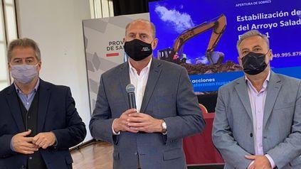 El gobernador Perotti junto a los candidatos a diputado, Roberto Mirabella, y a senador Marcelo Lewandowski