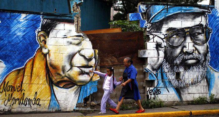 Revelan que Chávez ofreció a las Farc hasta 300 millones de dólares