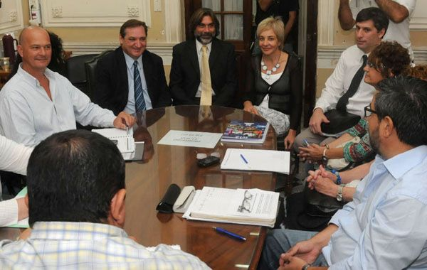 Los docentes se reunirán en paritarias con representantes provinciales.