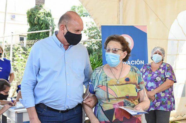 Mi madre no se merecía tanta mentira y difamación, advirtió el gobernador Perotti