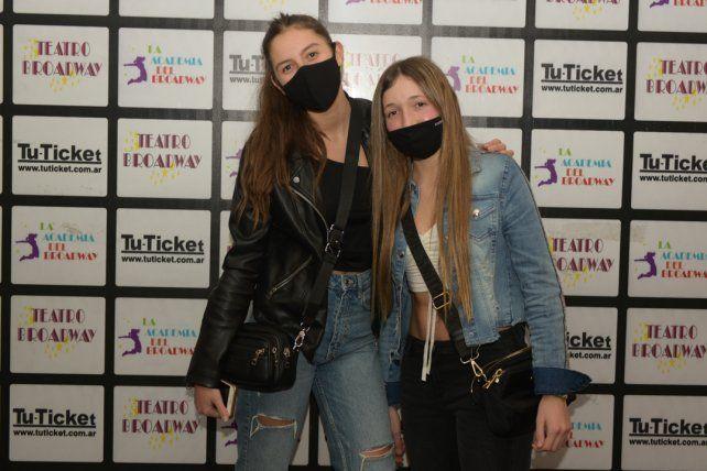 Lara Domingorena y Valentina Colombo.