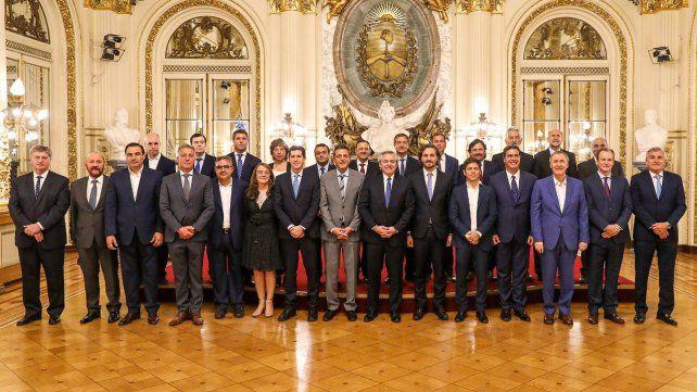 Todos juntos. El presidente Alberto Fernández recibió el respaldo de los mandatarios provinciales para suspender el Consenso Fiscal.