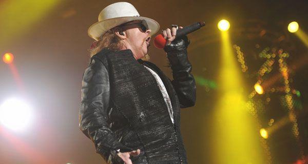 Guns N Roses pasó por Rosario con un torbellino de canciones imbatibles del hard rock