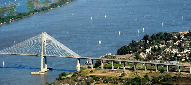 El puente estuvo cerrado por un lapso de cinco horas. (Foto: M.Bustamante)