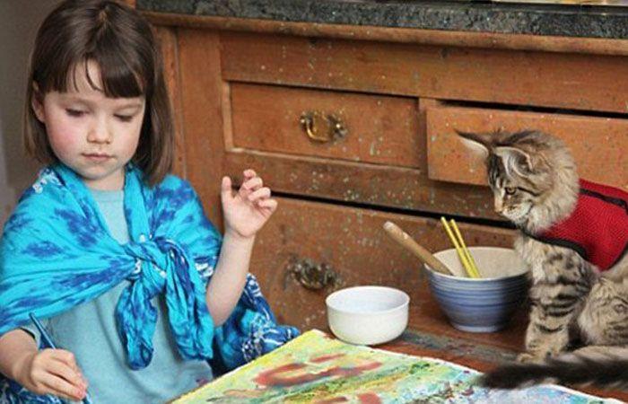 Iris pinta cuadros que son un éxito en Estados Unidos.