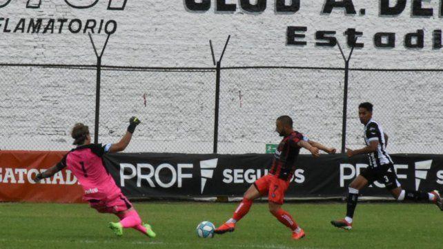 Defensores de Belgrano no pudo esta tarde con Gimnasia de Mendoza.