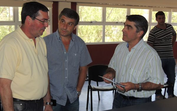 La asociación bomberos voluntarios de Roldán recibió este lunes un cheque por 50 mil pesos.