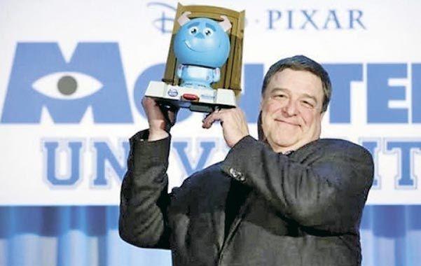 Sully. John Goodman presta su voz al gigante peludo y azul.