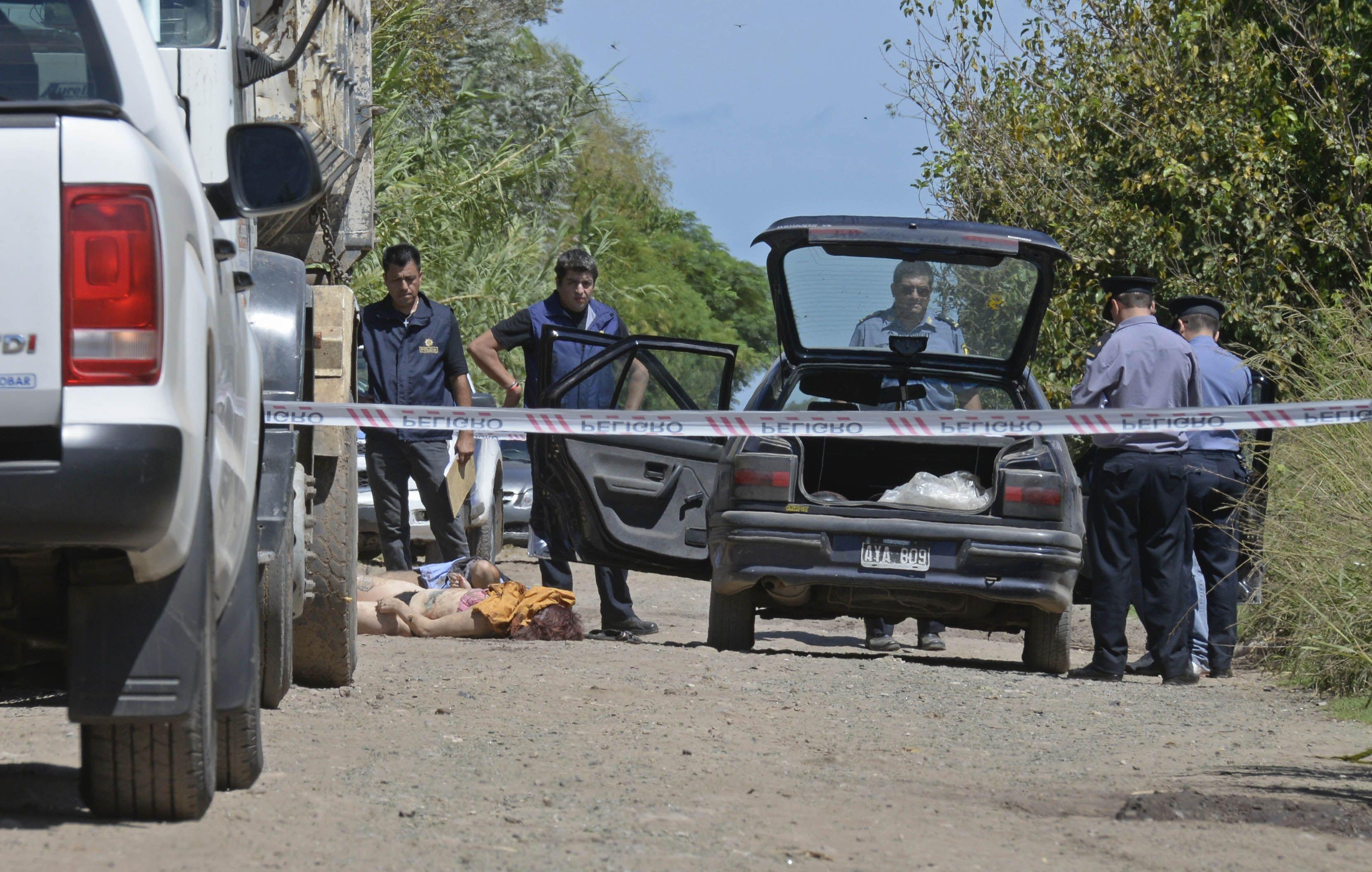 El cruce de las rutas nacional 33 y provincial 14. Cerca de allí la policía trabaja tras el hallazgo de un cadáver.